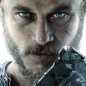 Classy looks of Ragnar!