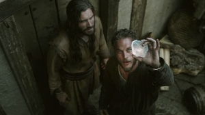 Ragnar discovers the use of Sun stone and Water compass in Navigation